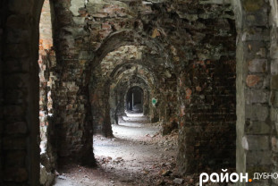 Величезні коридори форту