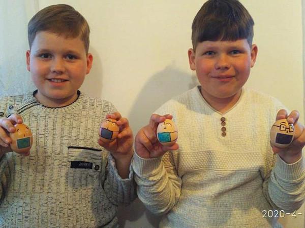 Писанки в масках: На Дубенщині діти готуються до онлайн конкурсу